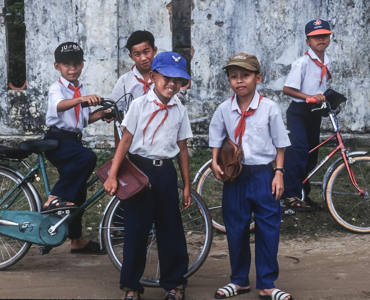 Schoolkids, Vietnam